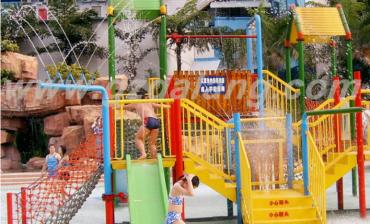Breaking the Season Limit: Indoor Water Slide Amusement Park