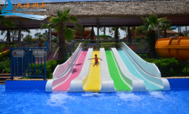 Top 4 Factors to the Profits of Children Water Parks